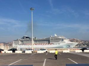 Le Preziosa entrant dans le port de Marseille